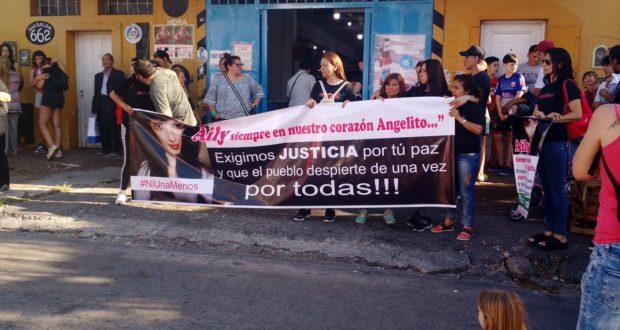 Marcharon por Ailén Decuzzi, la chica asesinada por su novio en El Palomar