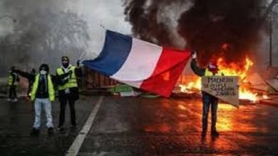 Photo of Macron suspendió suba de combustibles para calmar la situación