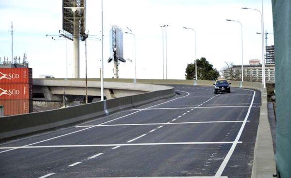 Durante todo el fin de semana permanece cerrada al tránsito la Autopista Illia