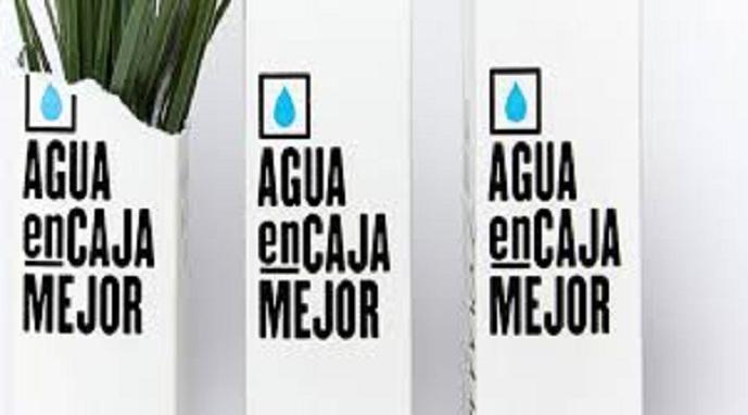 Agua en cartón