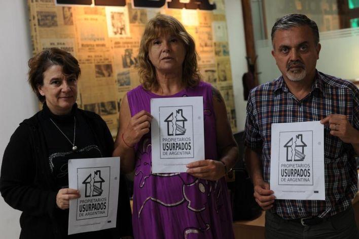 Usurpan más de dos propiedades a diario en La Plata y la solución demora años