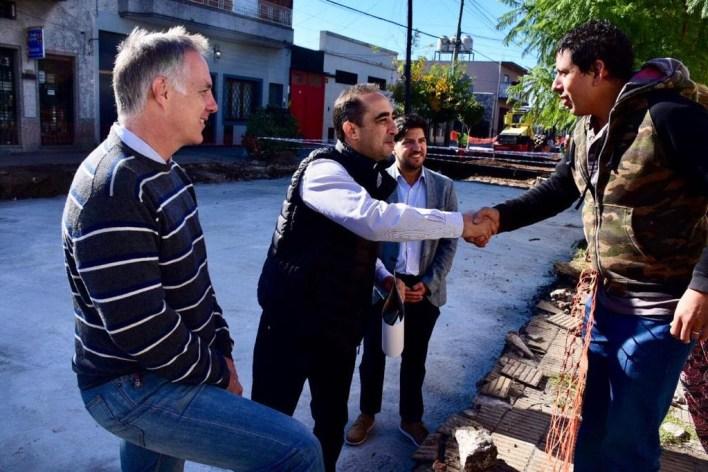 Tagliaferro supervisó nuevas obras de asfalto en Morón