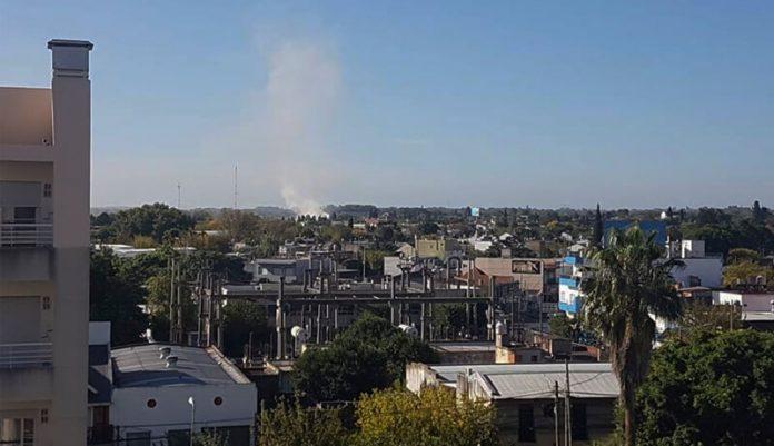 Fuego en Hurlingham pegado a Autopista del Oeste