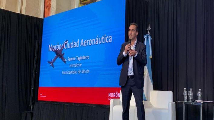 """Tagliaferro: """"Morón se consolida como una ciudad aeronáutica"""""""