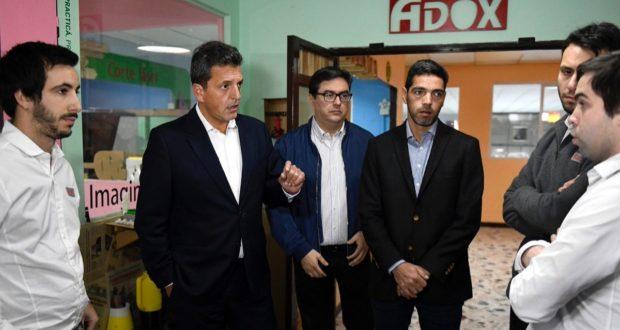 Massa visitó una pyme de Ituzaingó y pidió construir «un acuerdo económico y social a partir de diciembre»