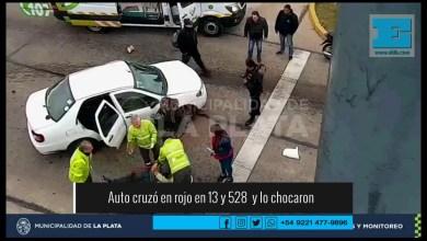 Photo of Otra locura en el tránsito de La Plata terminó con un choque que dejó un herido