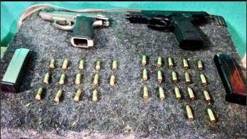 Desbaratan banda narco en Hurlingham: drogas, armas y motos secuestradas