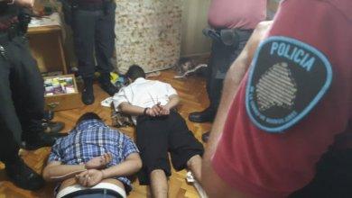 Photo of Dos delincuentes detenidos en una toma de rehenes