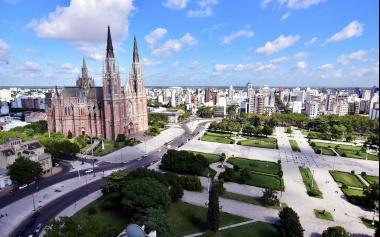 De La Plata al mundo: Un millón de visitantes al año, el plan para promocionar el turismo en la capital de la Provincia