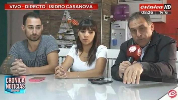 mujer denuncia a un policía, presunto pedófilo, que filmaba a menores y mujeres en el baño