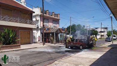Photo of Morón: Se incendió un auto y el conductor se salió ileso de milagro