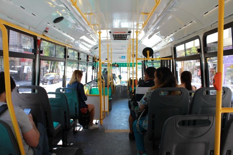 Qué documentación hay que llevar para viajar en transporte público