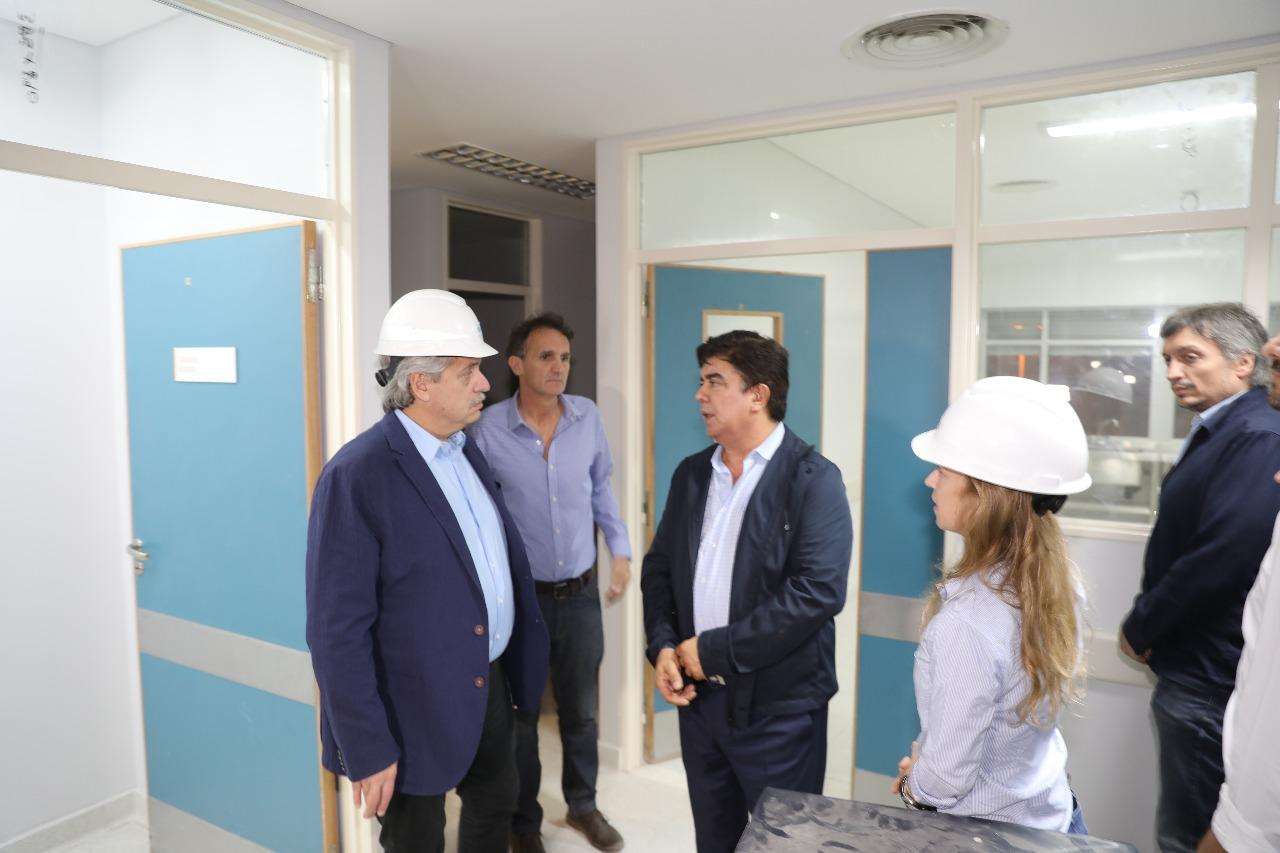 Alberto Fernández supervisó el avance de las obras del Hospital René Favaloro junto a Fernando Espinoza, Gabriel Katopodis y Máximo Kirchner