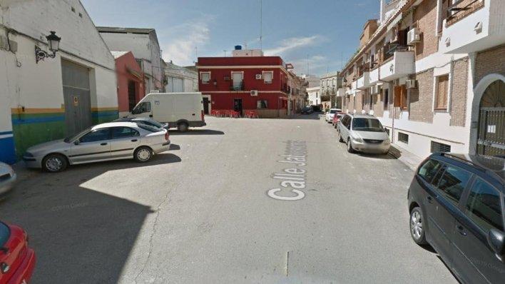 Muere un ciclista atropellado por un camión de la basura en Morón, Sevilla