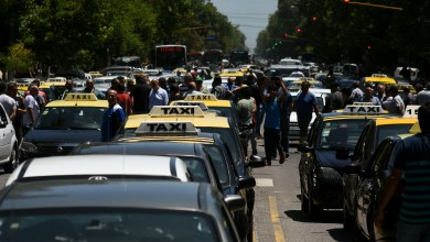 Photo of Taxistas y remiseros marchan en La Plata por la crisis