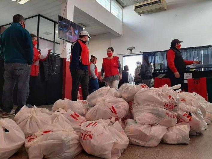 El Municipio entregó más de 2 mil bolsones de alimentos