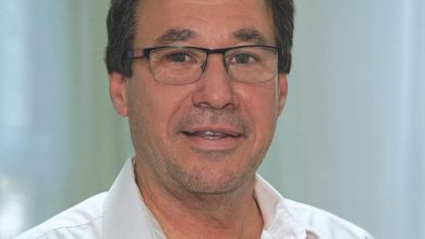 """Photo of Daniel Troncoso: """"Es la mitad de un salario de indigencia lo que ganamos"""""""