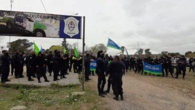 Photo of La Plata: Las bases de la Bonaerense exigen hablar con Berni