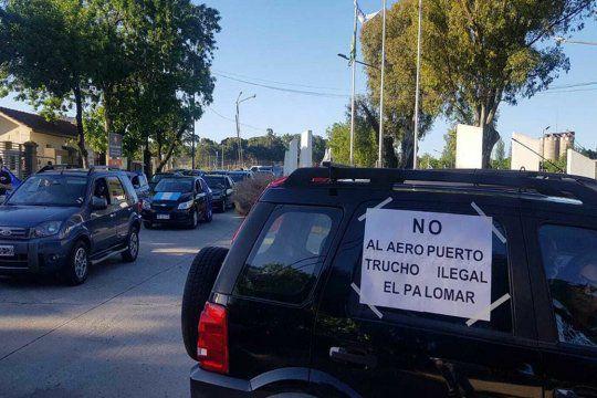 """El Palomar: """"caravanazo"""" contra el aeropuerto y Flybondi"""