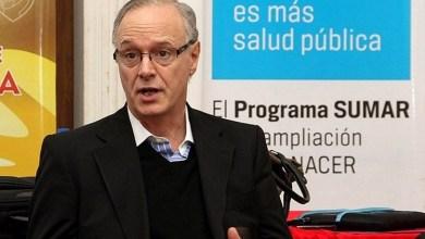 """Photo of Gollán: """"La vacuna es esencial para cortar la circulación del virus"""""""