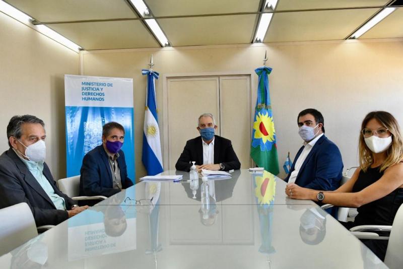 Justicia y la Defensoría del Pueblo buscan agilizar la regularización de asociaciones civiles