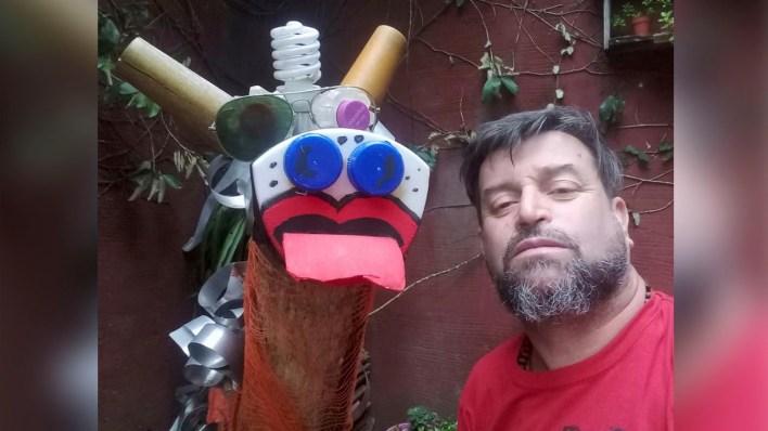 Un vecino de Hurlingham hace arte con basura: Conocé Chatarrarte