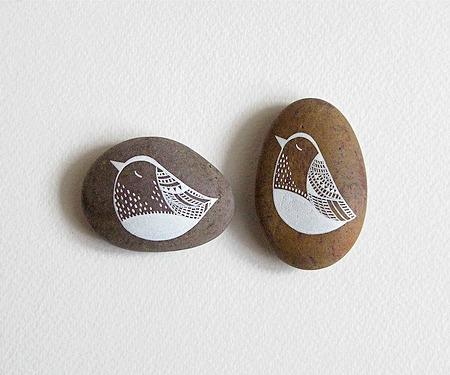 Creatividad con piedras 50 ideas y tutoriales para crear for Piedras pintadas a mano paso a paso