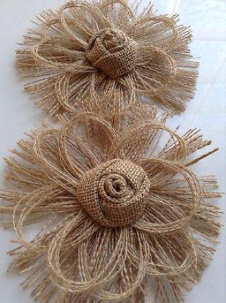 Flores de arpillera diseño de flor con tela desflecada
