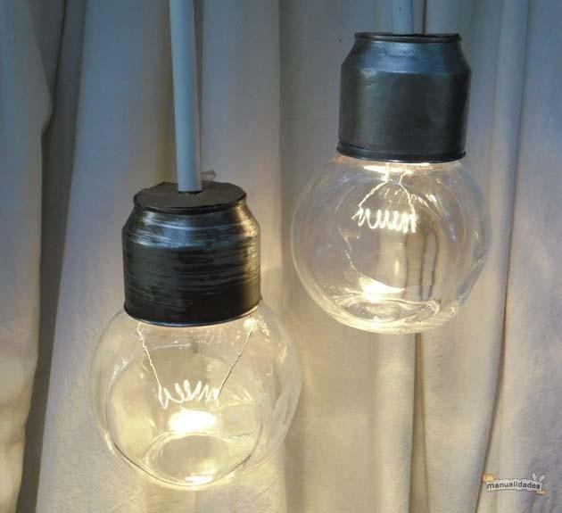 Lamparillas con frascos reciclados encendida