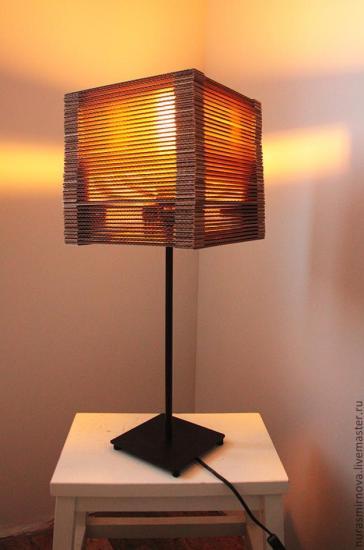 Ideas para reciclar cartón, pantalla de lámpara de cartón reciclado