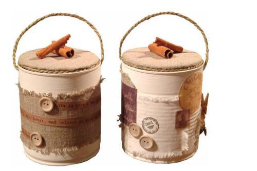 Ideas para reciclar latas, recipientes para la cocina decorados con arpillera, sisal, botones y ramas de canela