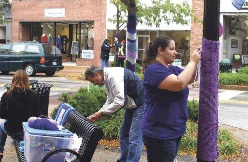 Yarnbombing arte en la calle con tejidos