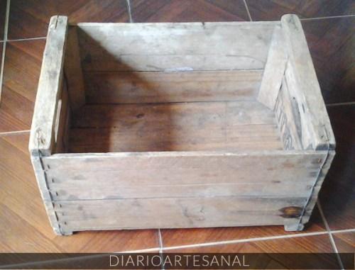 Cajón reciclado transformado en bandeja, paso 1