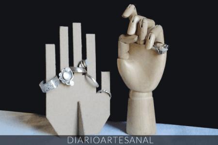 porta anillos con reciclaje de cartón