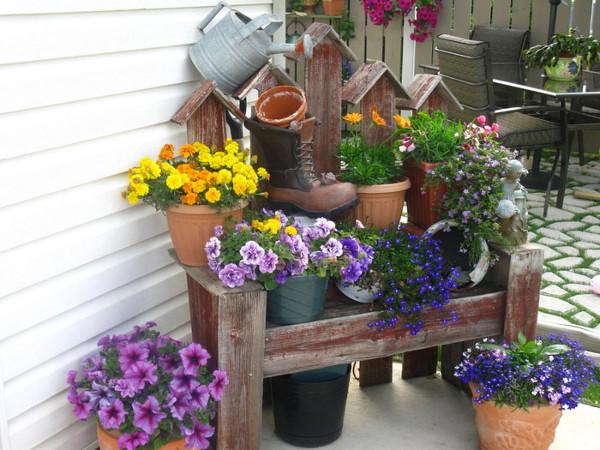 Rincon de plantas con un mueble reciclado