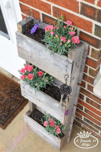 Mini jardin vertical con palets reciclados