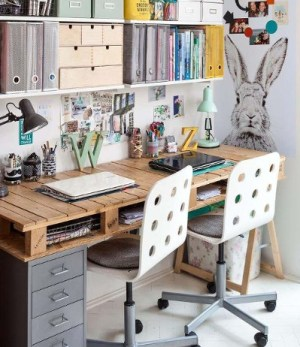 Escritorio con palets infantil con muebles reciclados