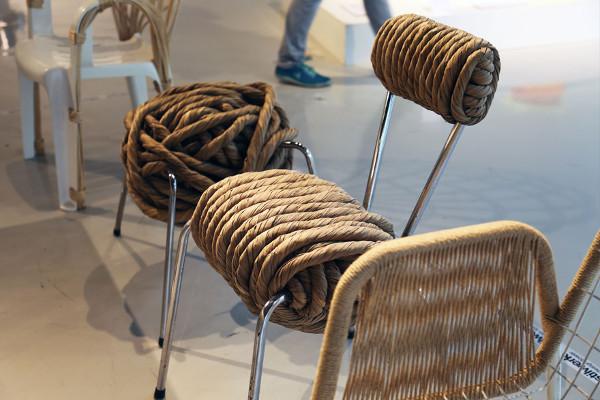 Reciclar una silla con cuerdas