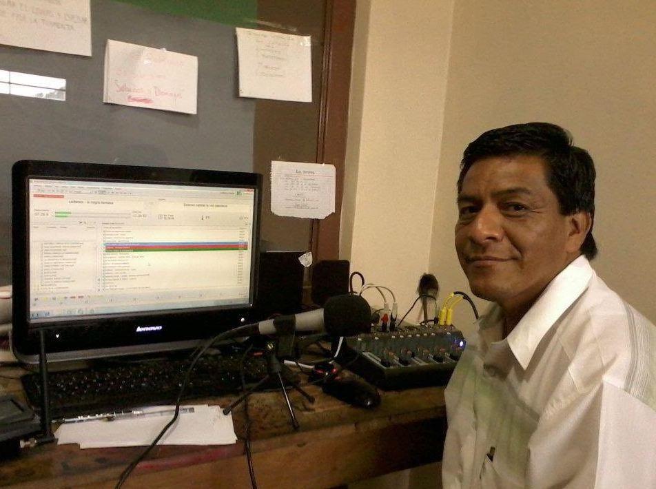 Asesinan a periodista Telésforo Santiago Enríquez en México