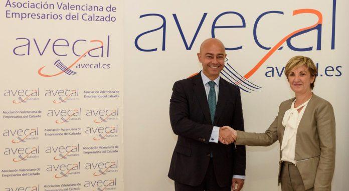 bb0ab443a2ca1 Publicidad Juega Limpio Orihuela. CaixaBank y la Asociación Valenciana de  Empresarios del Calzado ...