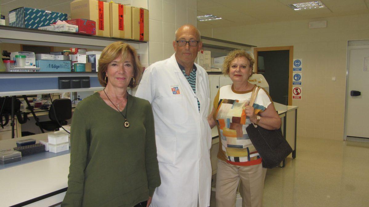 AMACMEC dona 12.000 euros al proyecto de investigación en cáncer del Hospital General de Elche y FISABIO