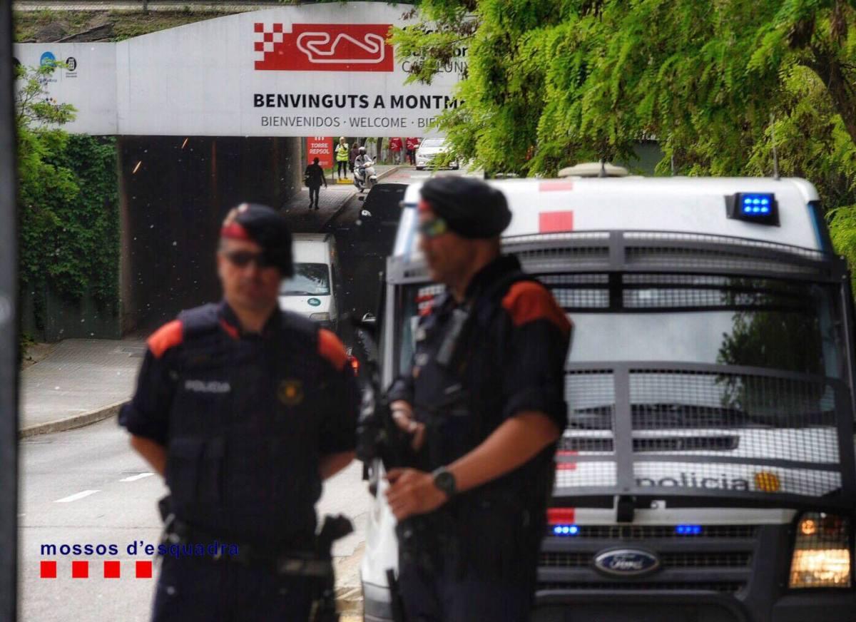 Los Mossos abaten a un argelino en Cornellà que entró en comisaría al grito de Alá es Grande