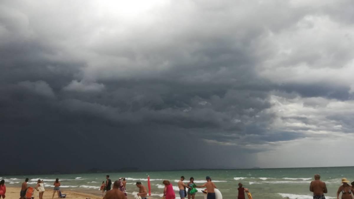 Las lluvias dejan en la Comunidad Valenciana unos 40 litros por metro cuadrado en una hora