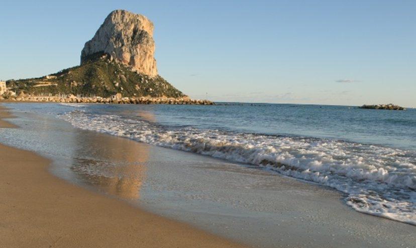 Un hombre fallece ahogado en la playa de Calpe