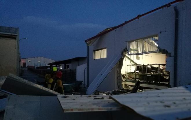 Heridos cuatro trabajadores tras la explosión en una fábrica de Crevillent