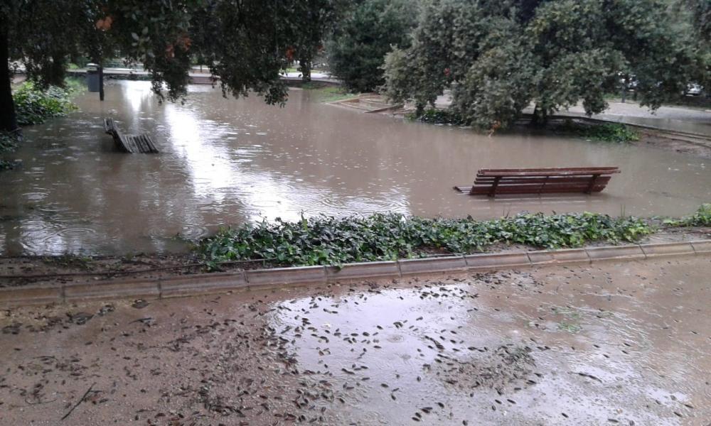 Suspenden las clases por las intensas lluvias en varios municipios de la provincia de Alicante