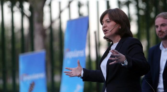 Isabel Bonig durante un acto en la campaña electoral.