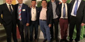 Manuel Mestre en el centro de la foto con todo su equipo de campaña / VOX Alicante