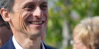 Pedro Duque sonriendo en un acto de la campaña electoral / PSOE Alicante