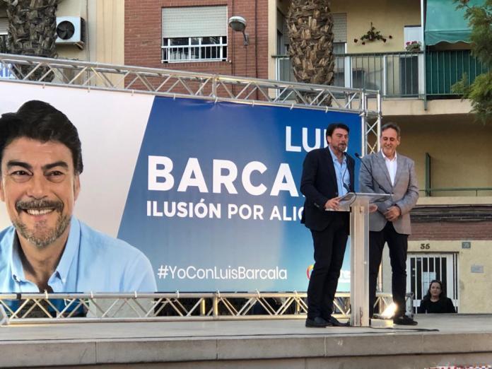 Barcala interviniendo en su mitin en la Florida junto a Manolo Jiménez / Populares Alicante
